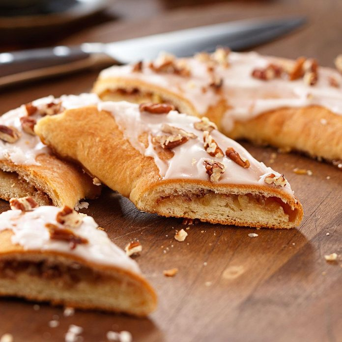 Alaska: Pecan Apple Kringle