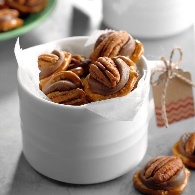 Pecan Caramel Candies Exps Sddj18 24166 B08 03 3b 4