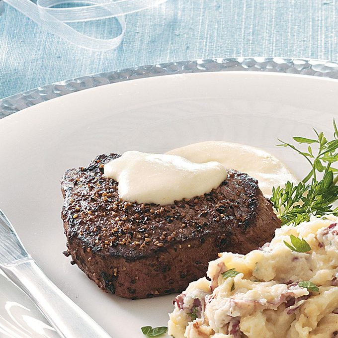 Peppered Filets With Horseradish Cream Sauce Exps50481 Cw1996971c08 12 1bc Rms 2