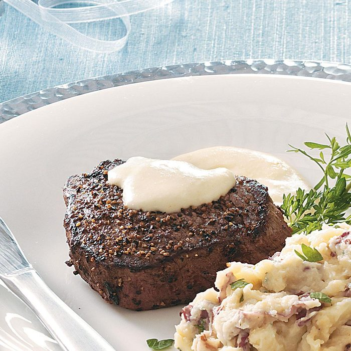 Peppered Filets With Horseradish Cream Sauce Exps50481 Cw1996971c08 12 1bc Rms 3