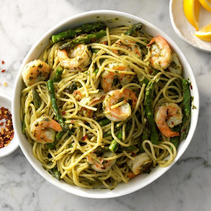 Pesto Shrimp Pasta Exps Sdjj19 26010 C02 08 3b 3