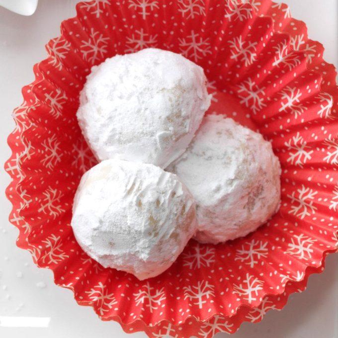 Pine Nut Snowballs