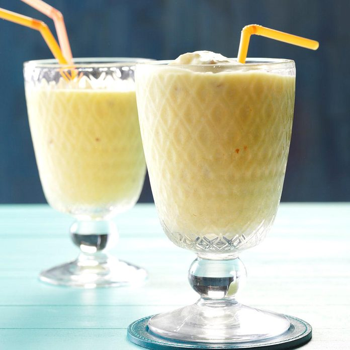 Pineapple Coconut Smoothie Exps Bbbz16 192213 D07 08 5b 1