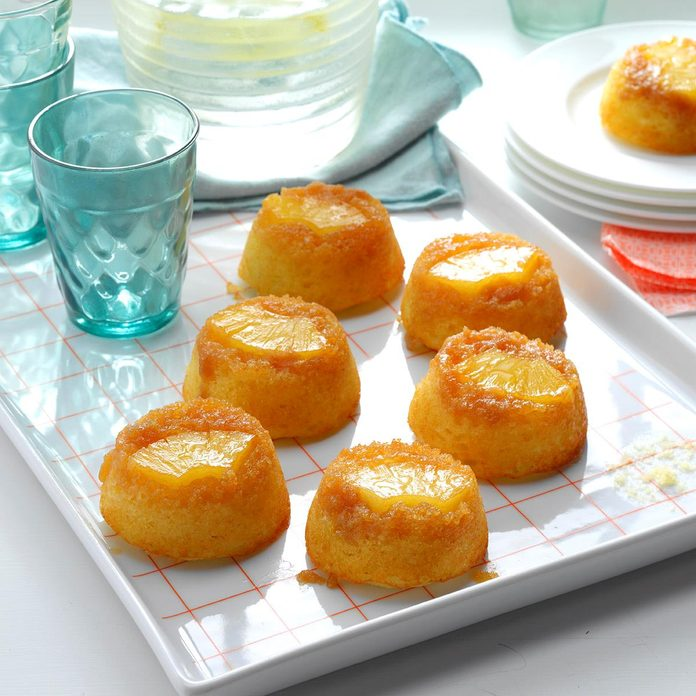 Pineapple Upside Down Muffin Cakes Exps Hck17 195120 08b 12 4b 3