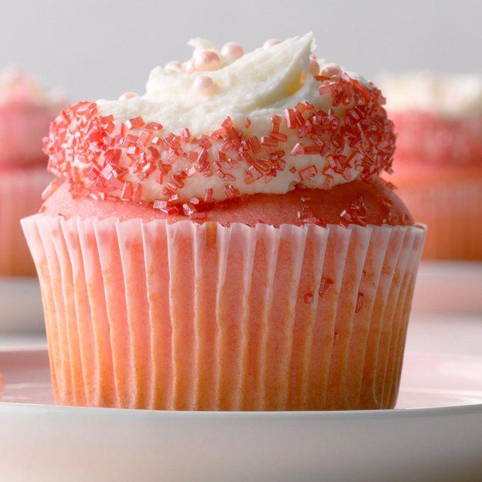Pink Velvet Cupcakes Exps Gbdbz20 36503 B01 09  5b 3