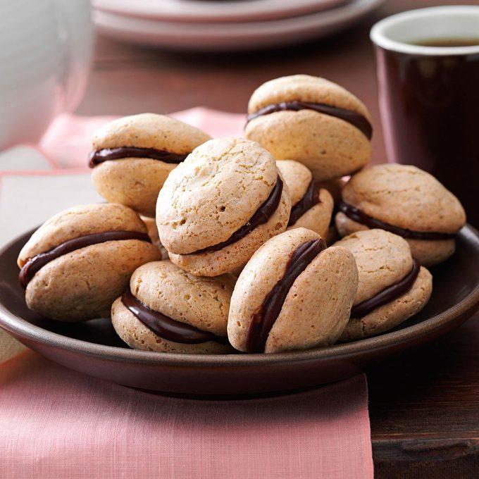 Pistachio Chocolate Macarons Exps50600 Cc2860595b05 14 3bc Rms 5