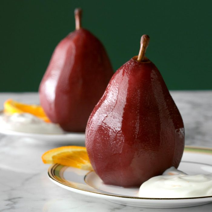 Poached Pears With Orange Cream Exps Thn17 42153 D06 16 5b 4