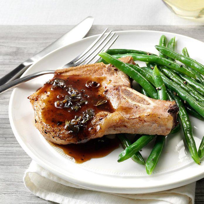 Pork Chops With Honey Balsamic Glaze Exps160443 Th2379807a11 01 1bc Rms 4