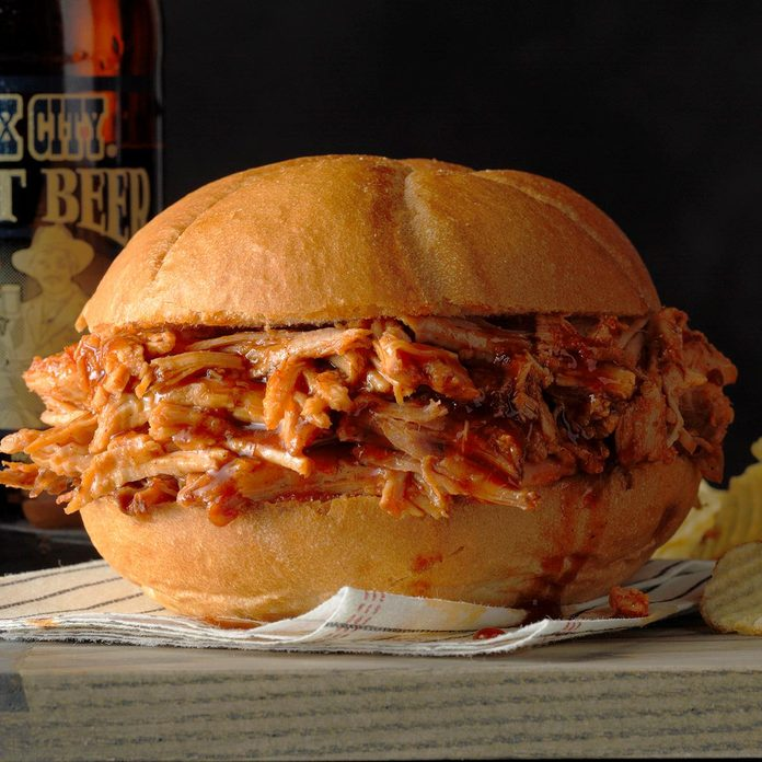 Pork Sandwiches With Root Beer Barbecue Sauce Exps Scmz20 37503 B01 17 4b 2