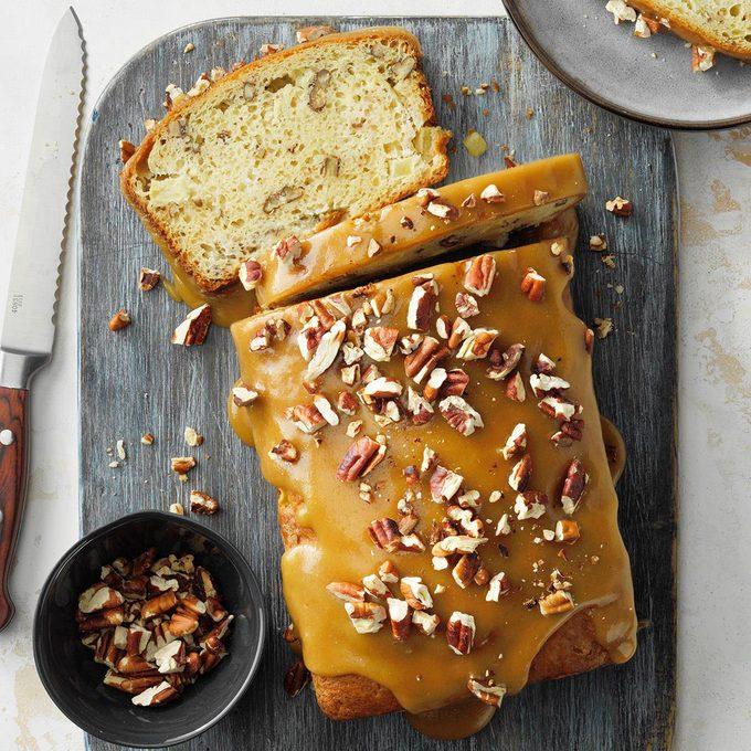 Praline Topped Apple Bread Exps Fbmz21 163928 E05 12 7b