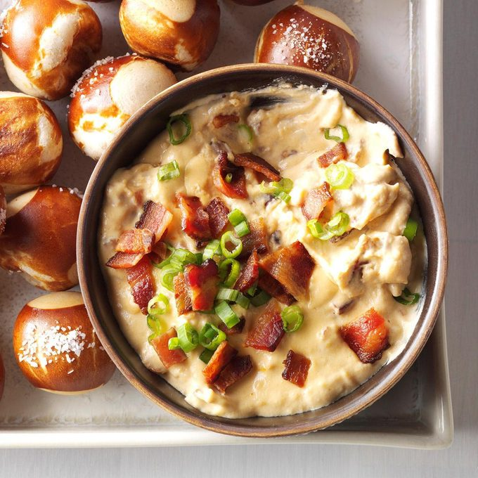 Instant Pot Cheddar Bacon Ale Dip