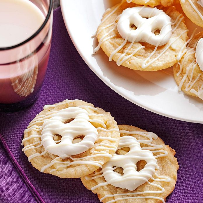 Pretzel-Topped Sugar Cookies