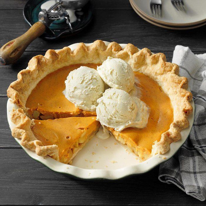 Pumpkin Apple Pie Exps Pbz21 7440 E05 04 2b Ap