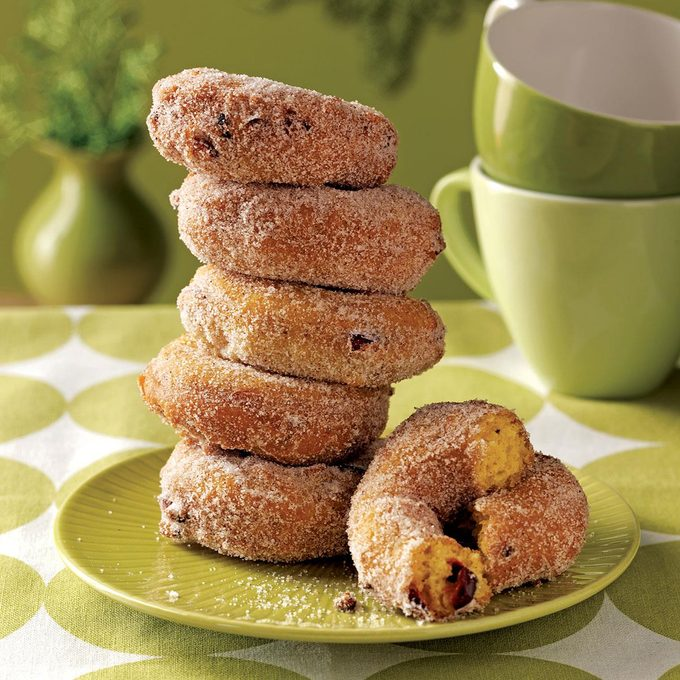 Pumpkin Cranberry Cake Doughnuts Exps50973 Thca2180111a10 20 5bc Rms 3