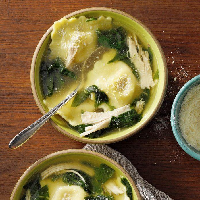 Quick Ravioli Spinach Soup Exps Ssmz21 109720 E10 13 8b 6