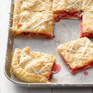 Raspberry-Rhubarb Slab Pie