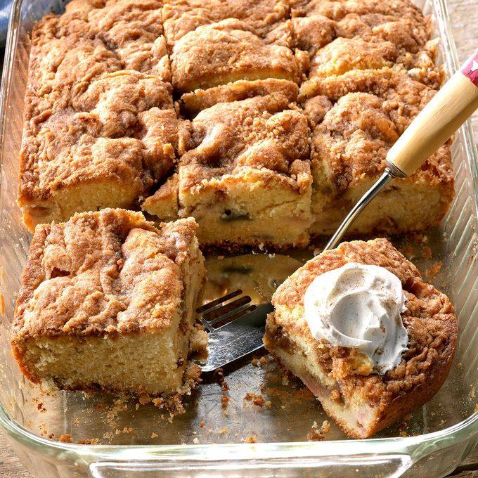 Rhubarb Sour Cream Coffee Cake Exps Tham18 31907 D11 09 5b 7