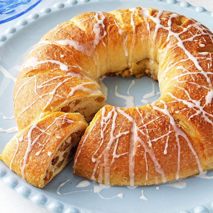 Ricotta Raisin Coffee Cake Exps140540 Thhc2377565b09 05 1bc Rms