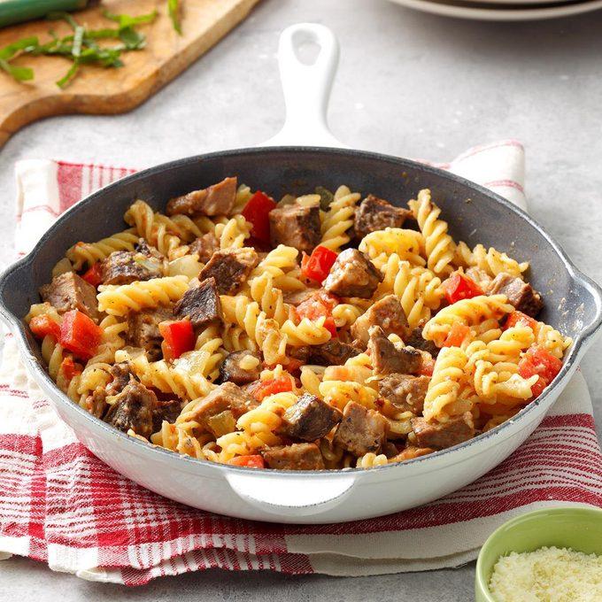 Roast Beef Pasta Skillet Exps Bfbz19 32270 B01 18 2b 4