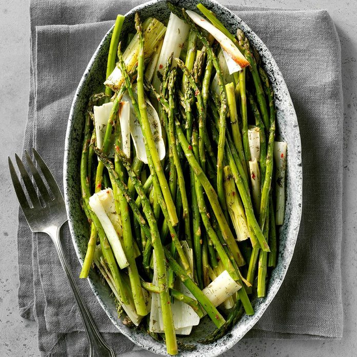 Roasted Asparagus And Leeks Exps Ft19 41058 C03 13 8b Rms 4