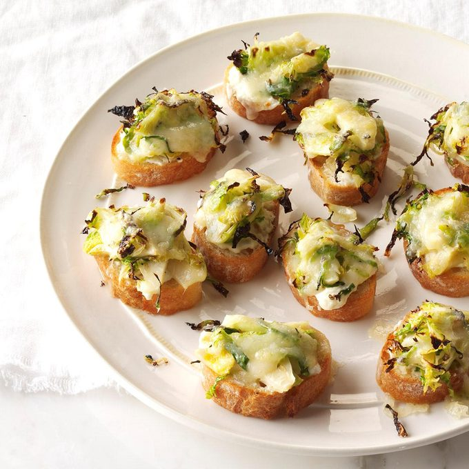 Roasted Brussels Sprouts 3 Cheese Crostini Exps Thn16 195556 C06 15 7b 8