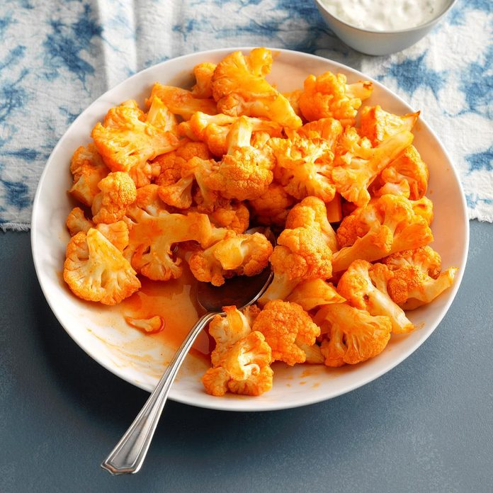 Roasted Buffalo Cauliflower Bites Exps Thfm19 200797 E09 25 3b 7