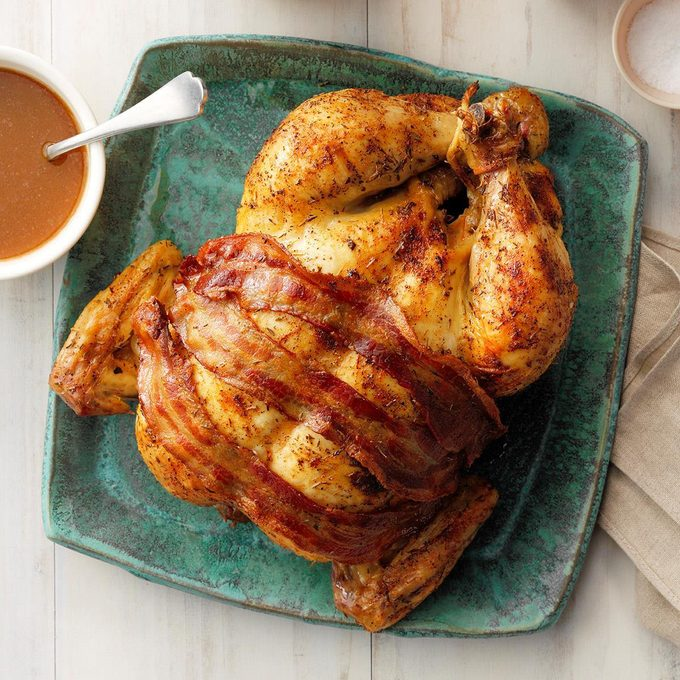 Roasted Chicken With Brown Gravy Exps Chbz19 5227 E10 24 7b