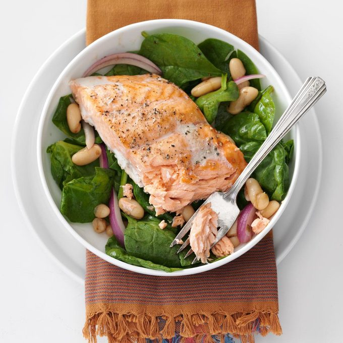 Roasted Salmon White Bean Spinach Salad Exps106681 Th2379806a09 11 6b Rms