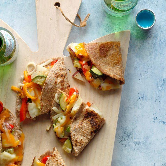 Roasted Veggie Quesadillas Exps Cimzw20 130776 B09 03 3b