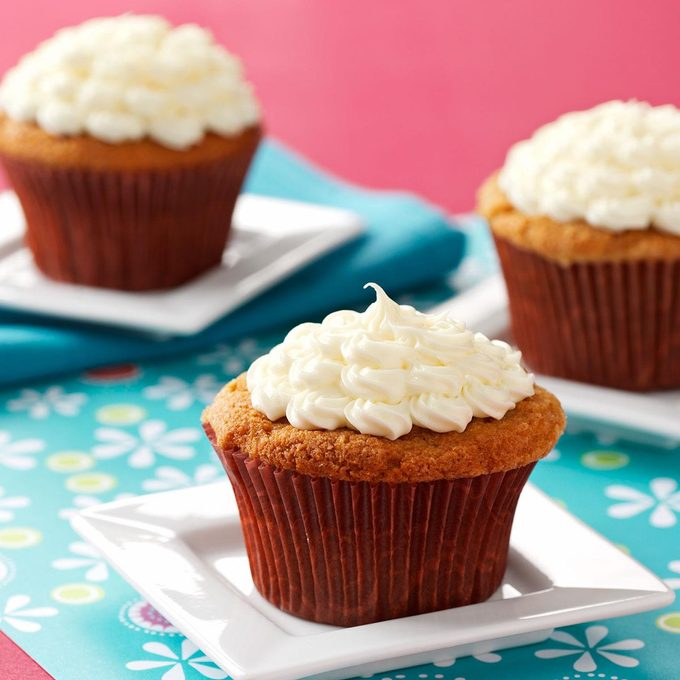 Rosy Rhubarb Cupcakes Exps8259 Wthe1872343d03 04 1bc Rms 1