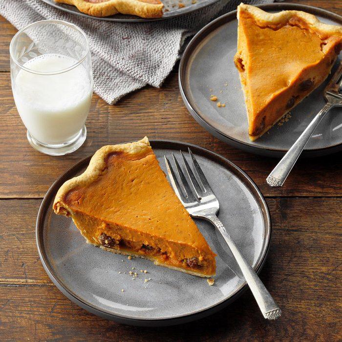 Rum Raisin Pumpkin Pie Exps Pbz21 39943 E05 04 1b 2
