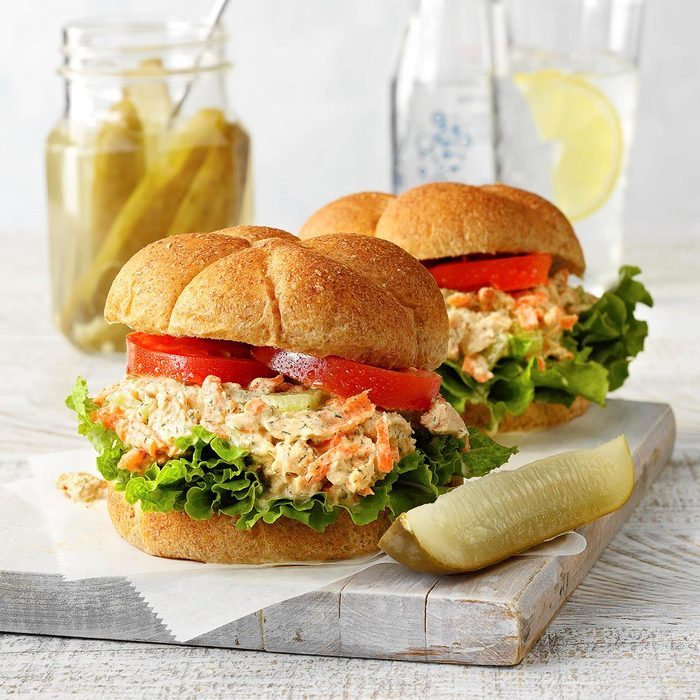 Salmon Salad Sandwiches Exps Cots21 1575 G05 04 2b
