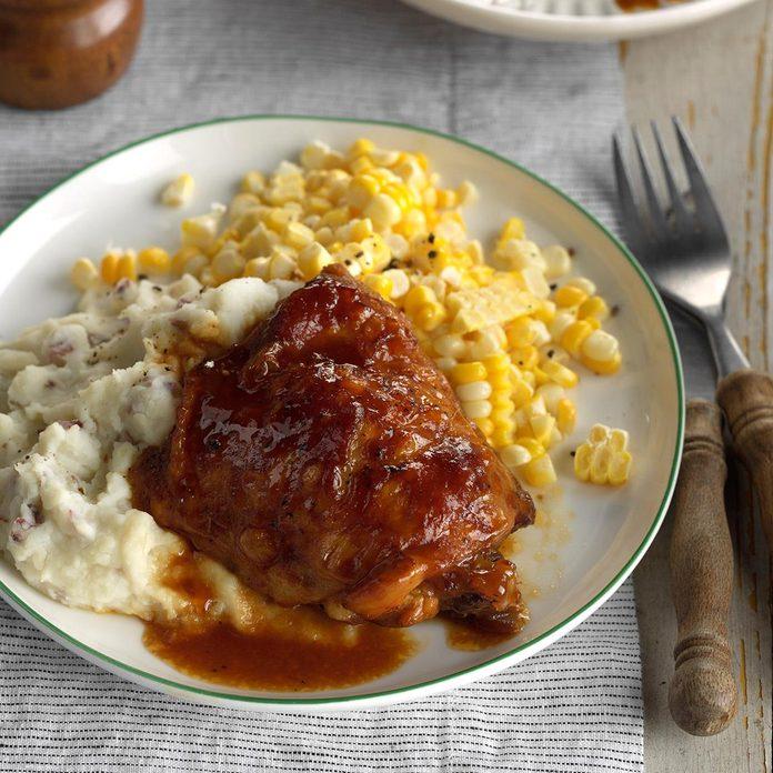 Saucy Chicken Thighs Exps Scmbz17 32244 C01 12 5b 2