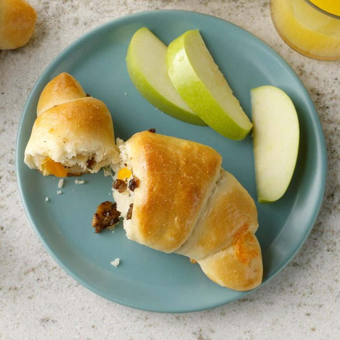 Sausage Cheese Crescents Exps Hbmz19 137498 B06 26 1b 4