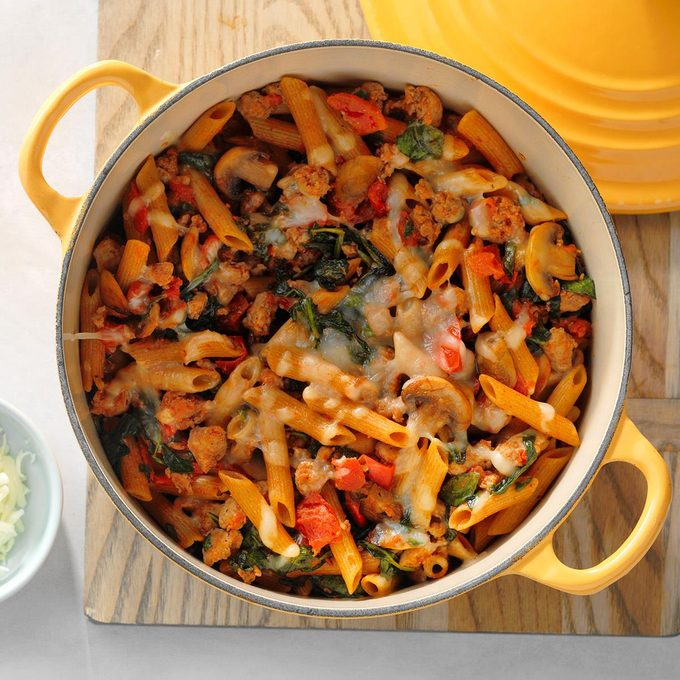 Sausage Pasta With Vegetables Exps Sdam18 58342 D12 06 6b 1