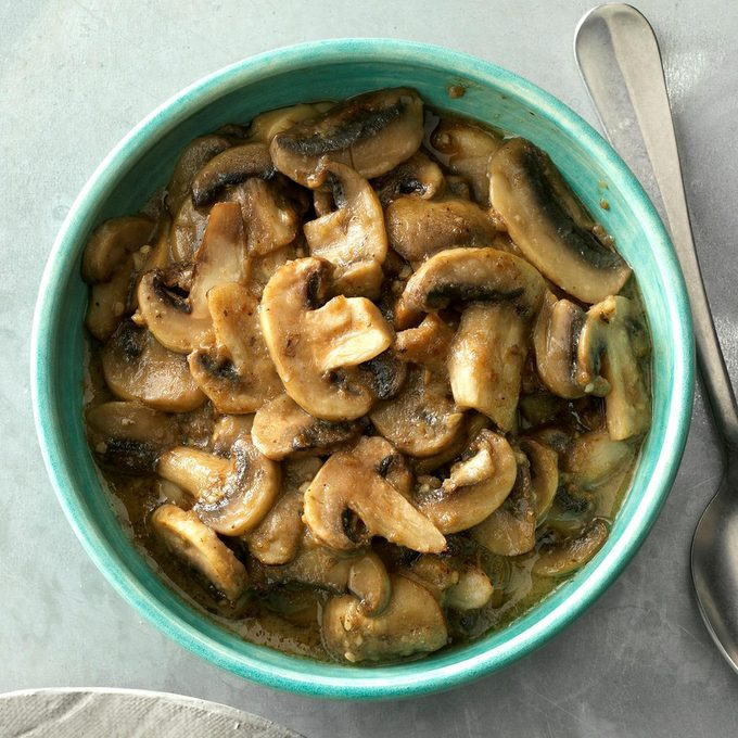 Sauteed Garlic Mushrooms Exps Sdfm19 33520 C10 10 10b 3