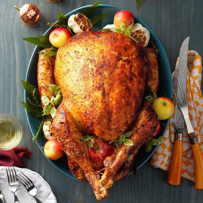 Seasoned Roast Turkey Exps Thon21 36695 B06 16 3bv1