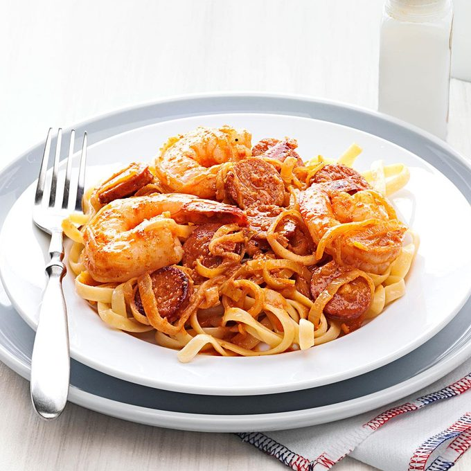 Shrimp Scampi Fettuccine With Andouille Butter Exps154185 Th237979803 01 6bc Rms
