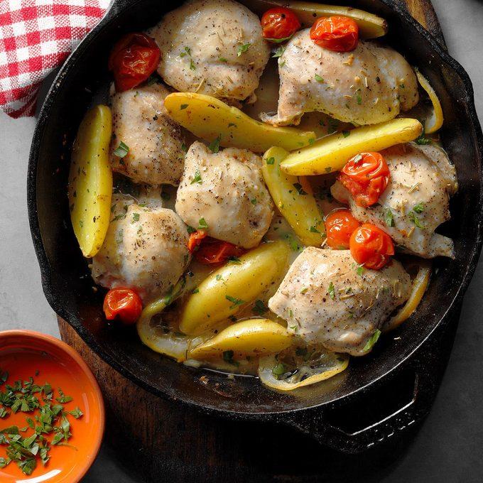 Skillet Roasted Lemon Chicken With Potatoes Exps Cimz17 98413 B07 14 5b 6