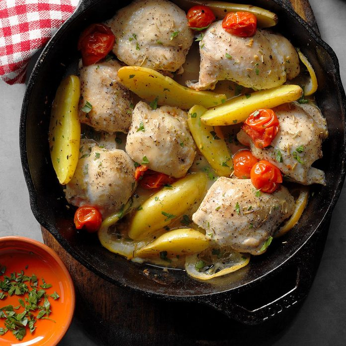 Skillet Roasted Lemon Chicken With Potatoes Exps Cimz17 98413 B07 14 5b 6