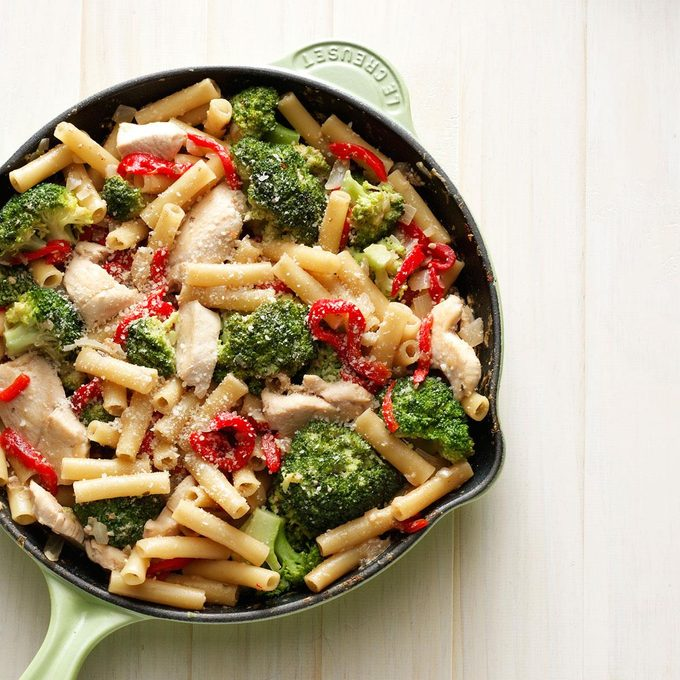 Skillet Ziti With Chicken And Broccoli Exps71506 Sd19999446b10 08 1bc Rms 2