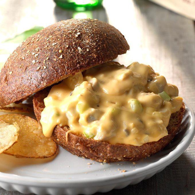 Slow Cooked Turkey Sandwiches Exps Scmbz18 33983 D01 17 2b 2