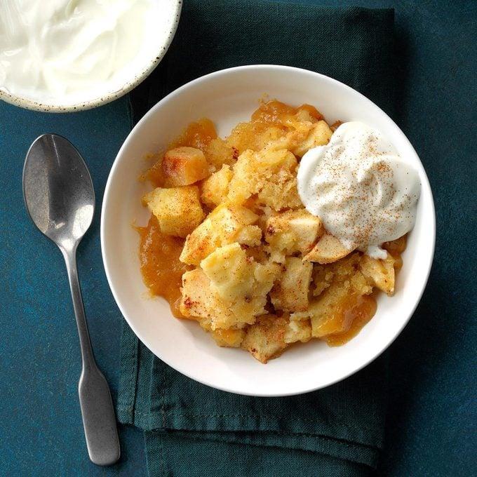 Slow Cooker Apple Pudding Cake Exps Scbz18 86585 E07 27 4b 4