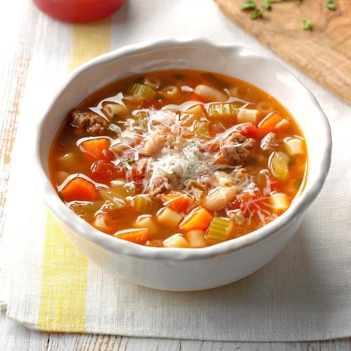 Slow Cooker Pasta E Fagioli Exps Scbz18 161010 E07 27 2b 4