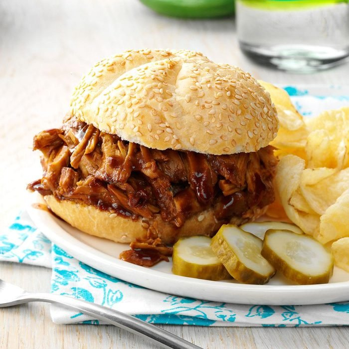 Slow-Cooker Pulled Pork Sandwiches