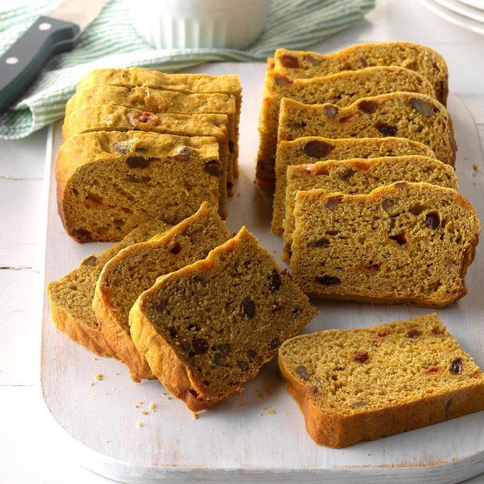 Slow Cooker Pumpkin Yeast Bread Exps Edsc17 196594 C03 10 6b 3