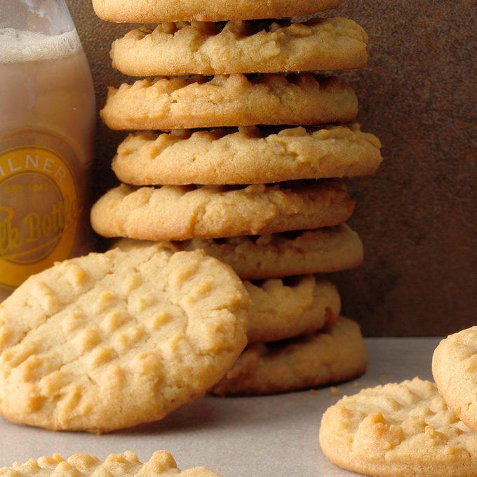 Soft Tried N True Peanut Butter Cookies Exps Botoh19 49467 B08 16 1b