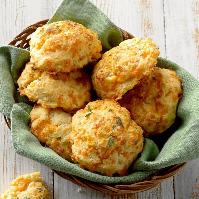 Sour Cream Cheddar Biscuits Exps Cwfm19 167694 B10 12 3b 2