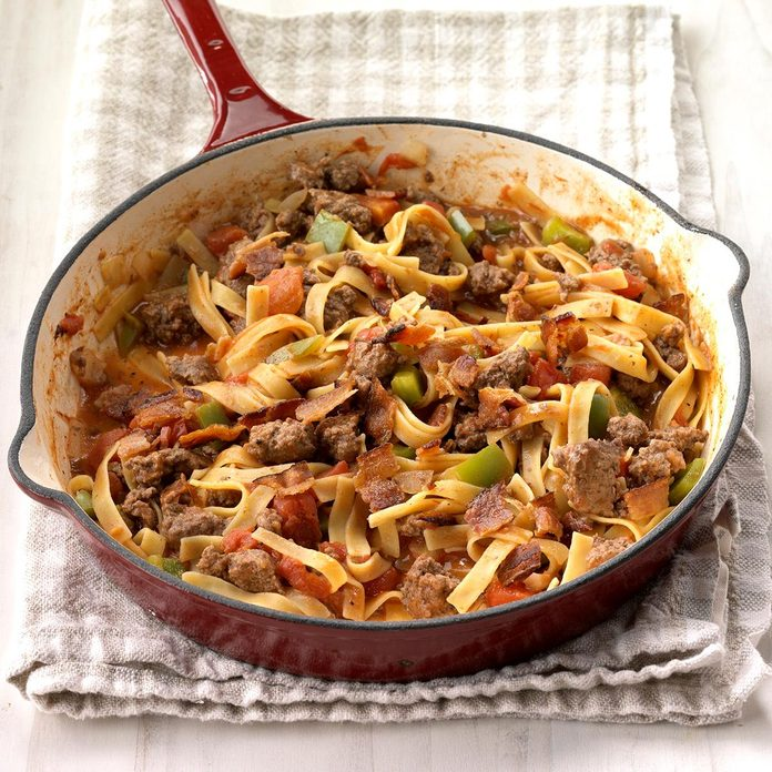 Spanish Noodles And Ground Beef Exps Sdfm18 42886 C10 10 5b 8