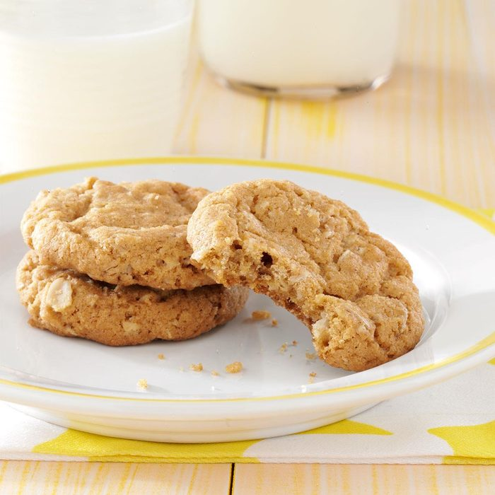 Spiced Oatmeal Cookies Exps3588 Cc2661980a04 10 1b Rms